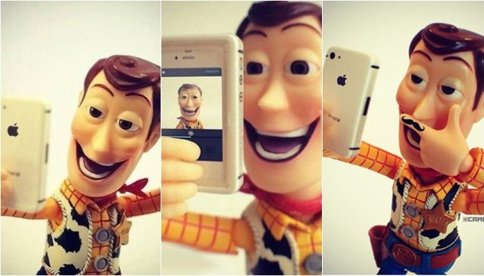 Facebook Selfie Status